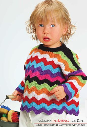 A bright pullover for a girl to knit quickly and easily. Picture №3
