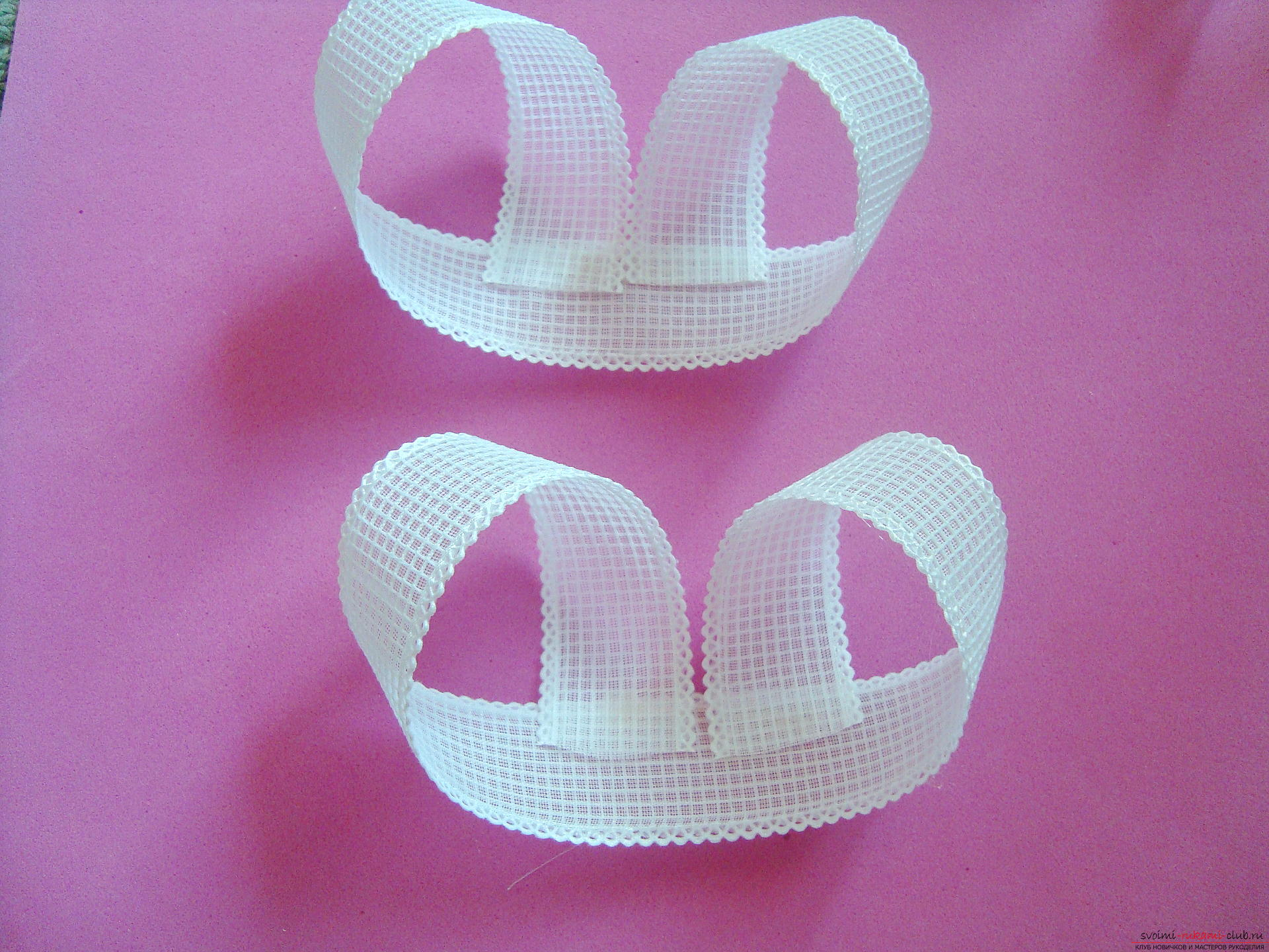 Step-by-step guide to making bows by September 1 for schoolgirls describing the steps and photos. Photo №7