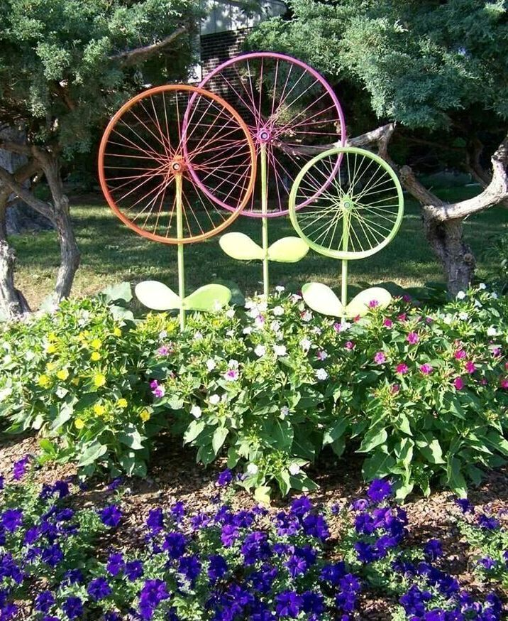 decorative decoration for a bed of bicycle wheels