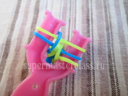French bracelet made from rubber bands on a slingshot