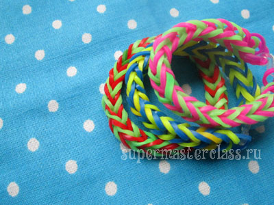 "How to weave a bracelet from gum ""Fish tail"""