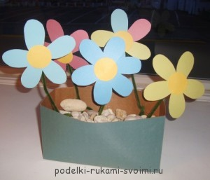 Paper flowers with their own hands.
