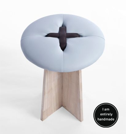 stools buttons