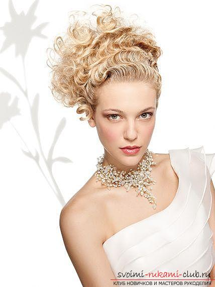 How to make a beautiful hairstyle on medium hair for a celebration with your own hands. Photo №8