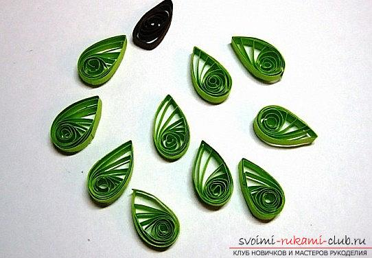 How to make a New Year card with quilling technique? A lesson for children. Picture №3