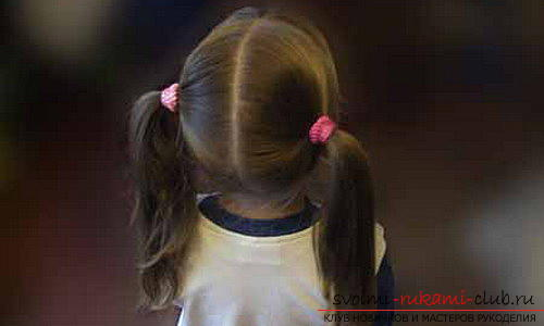 We learn to make beautiful hairstyles for medium hair for girls with our own hands. Photo №1