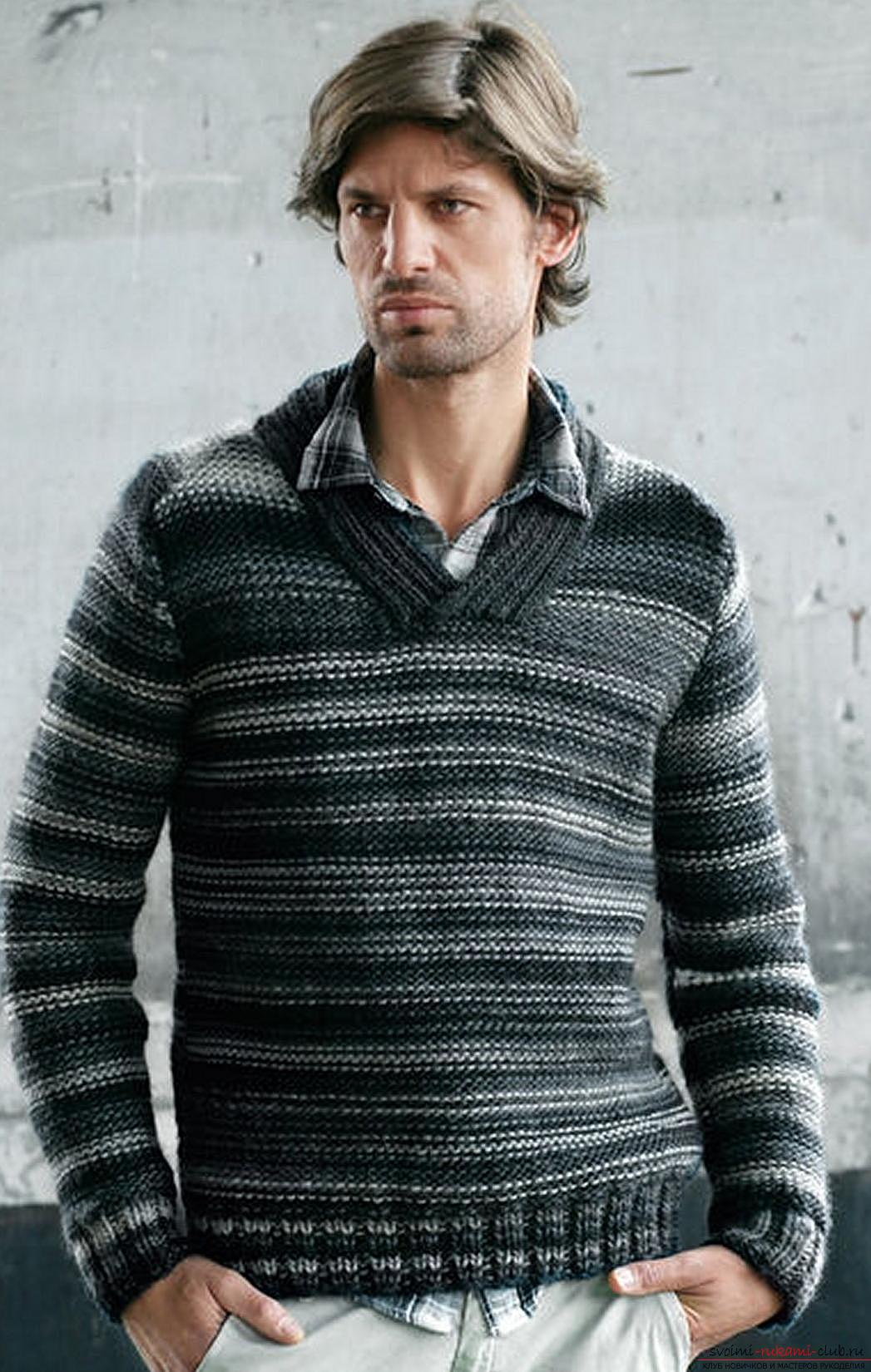 Elegant men's pullover with knitting needles. Photo №5