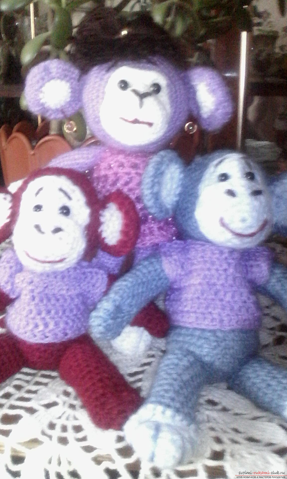 Knitted toys on a frame. Photo # 2