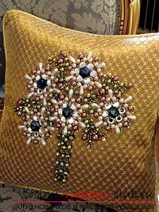 Embroidery of pillows by various methods according to schemes. Picture №3