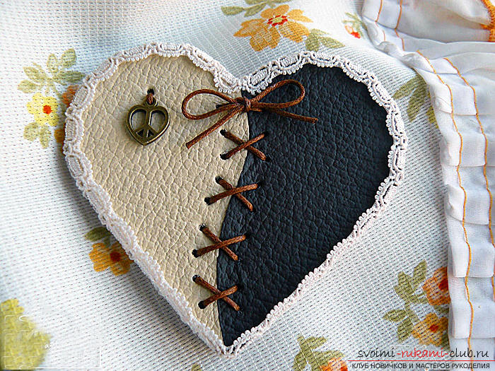 Valentine's Day gifts with your own hands, various variations of making Valentine's cards with your own hands, a magnet in the form of a heart as a gift to your beloved .. Photo # 24