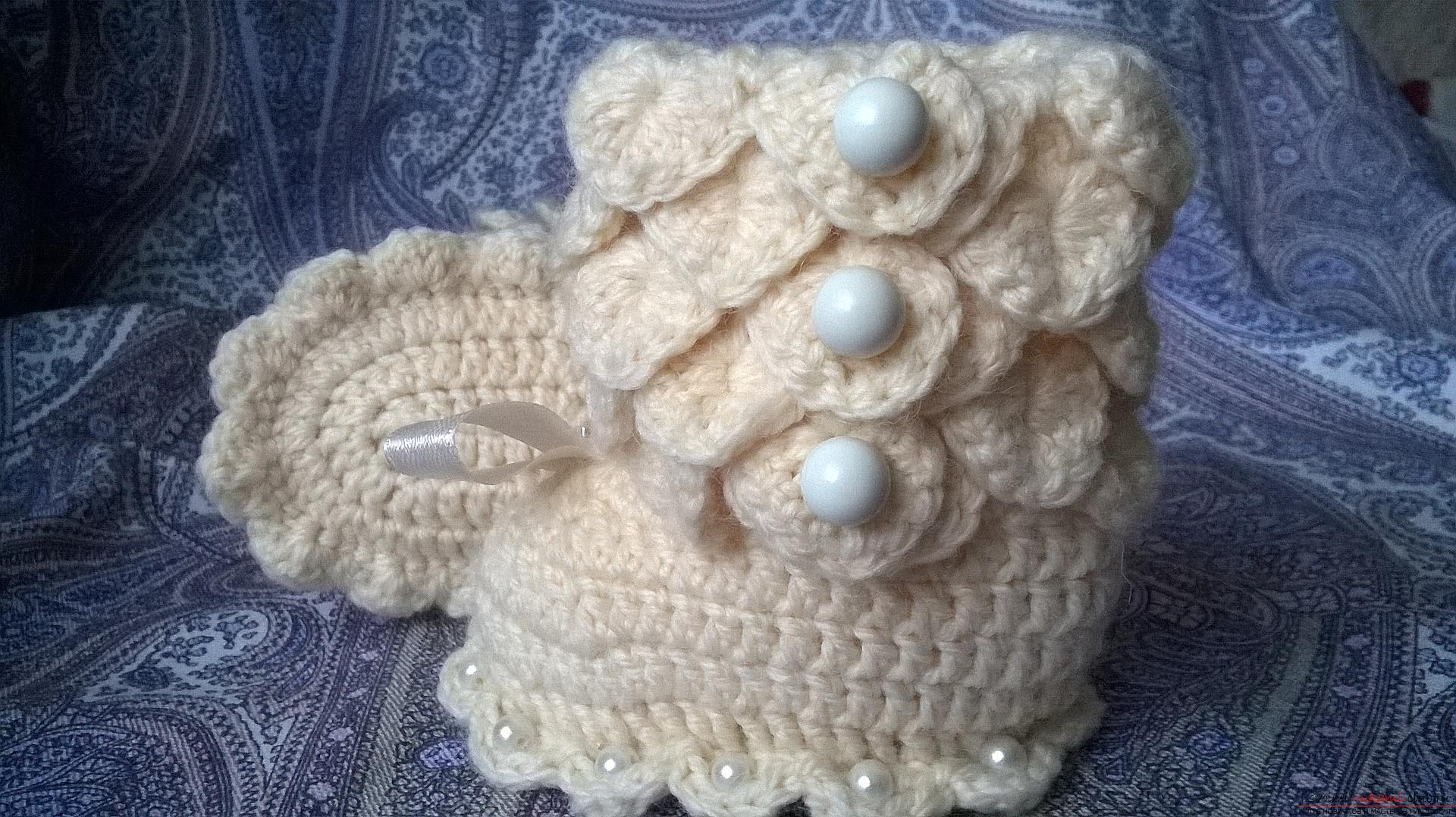 This master class with a description, diagram and video will teach how to knit booties crocheted .. Photo # 32