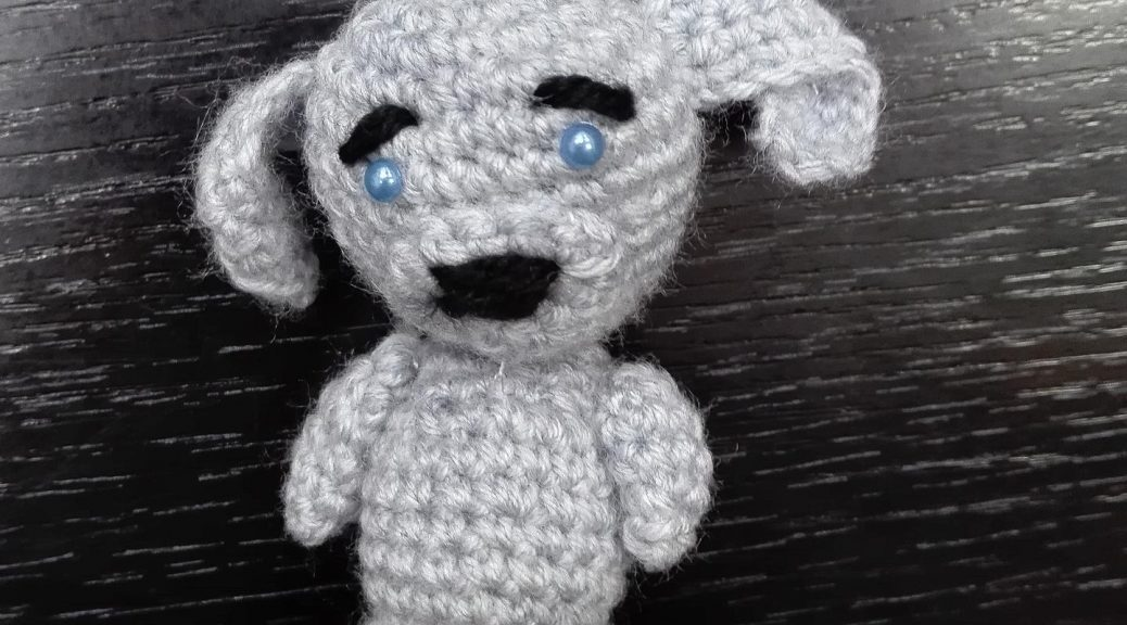 This detailed workshop will tell you how to tie a dog crochet and how to knit an amigurumi