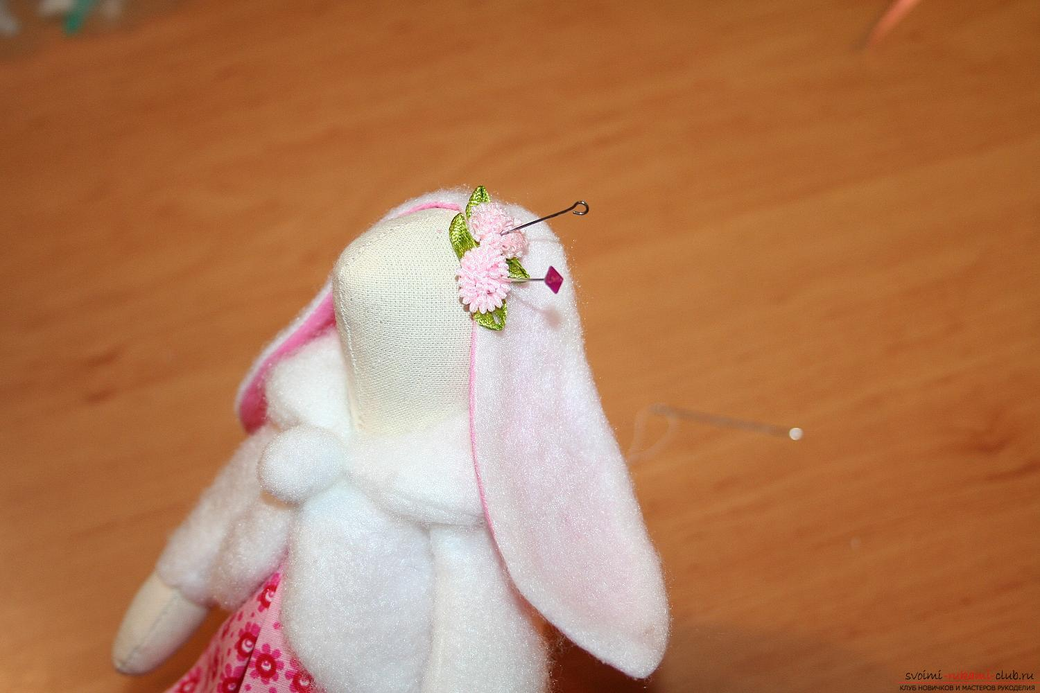 A master class on the creation of a New Year's doll will help to make a hare to Tilda with his own hands. Photo Number 43