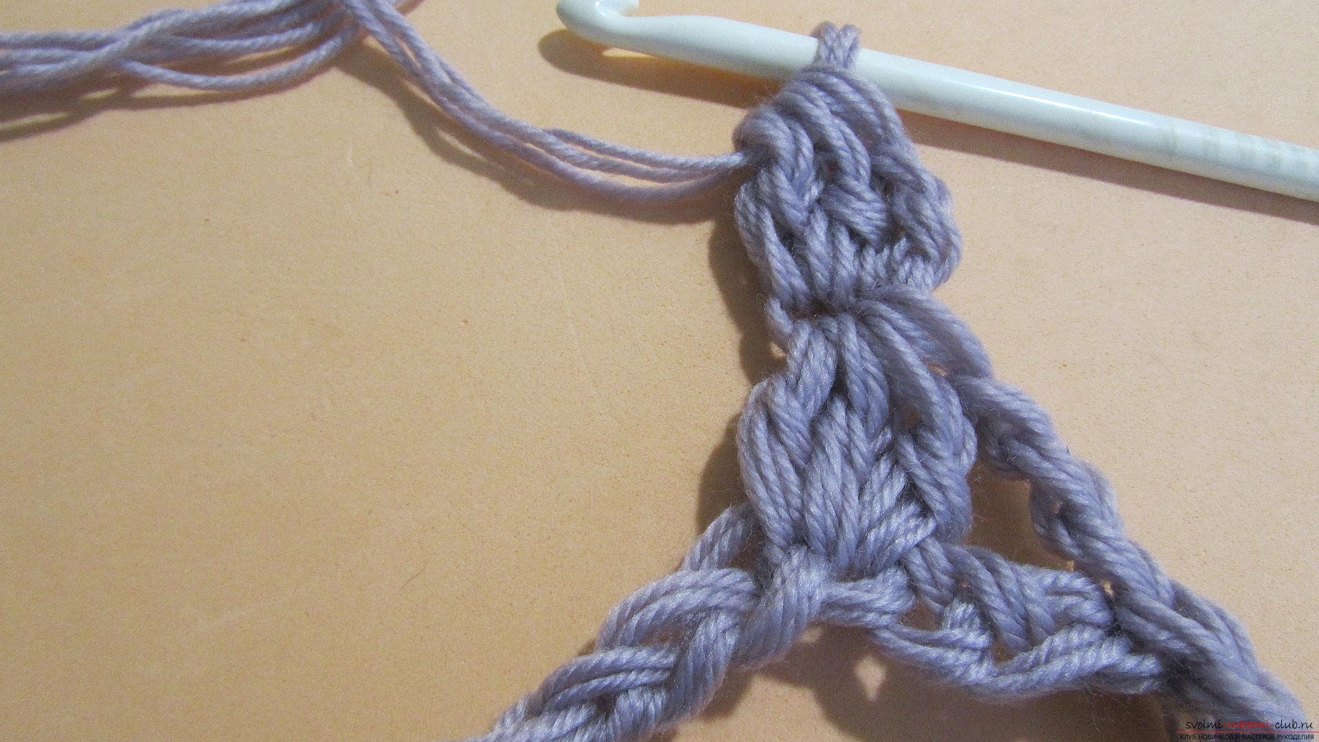 This detailed master class with a photo contains crochet snatch crochet patterns.