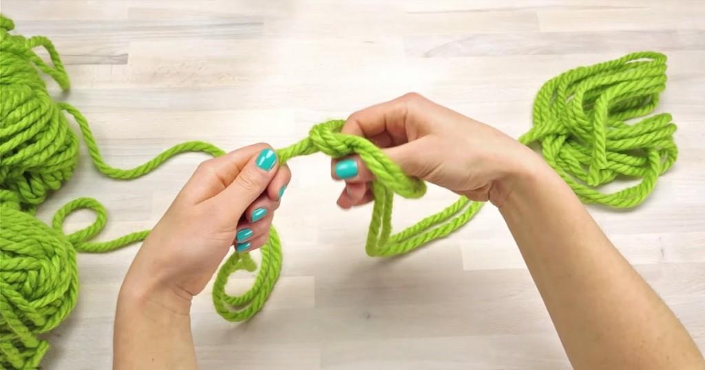 Как связать на руку сама себе