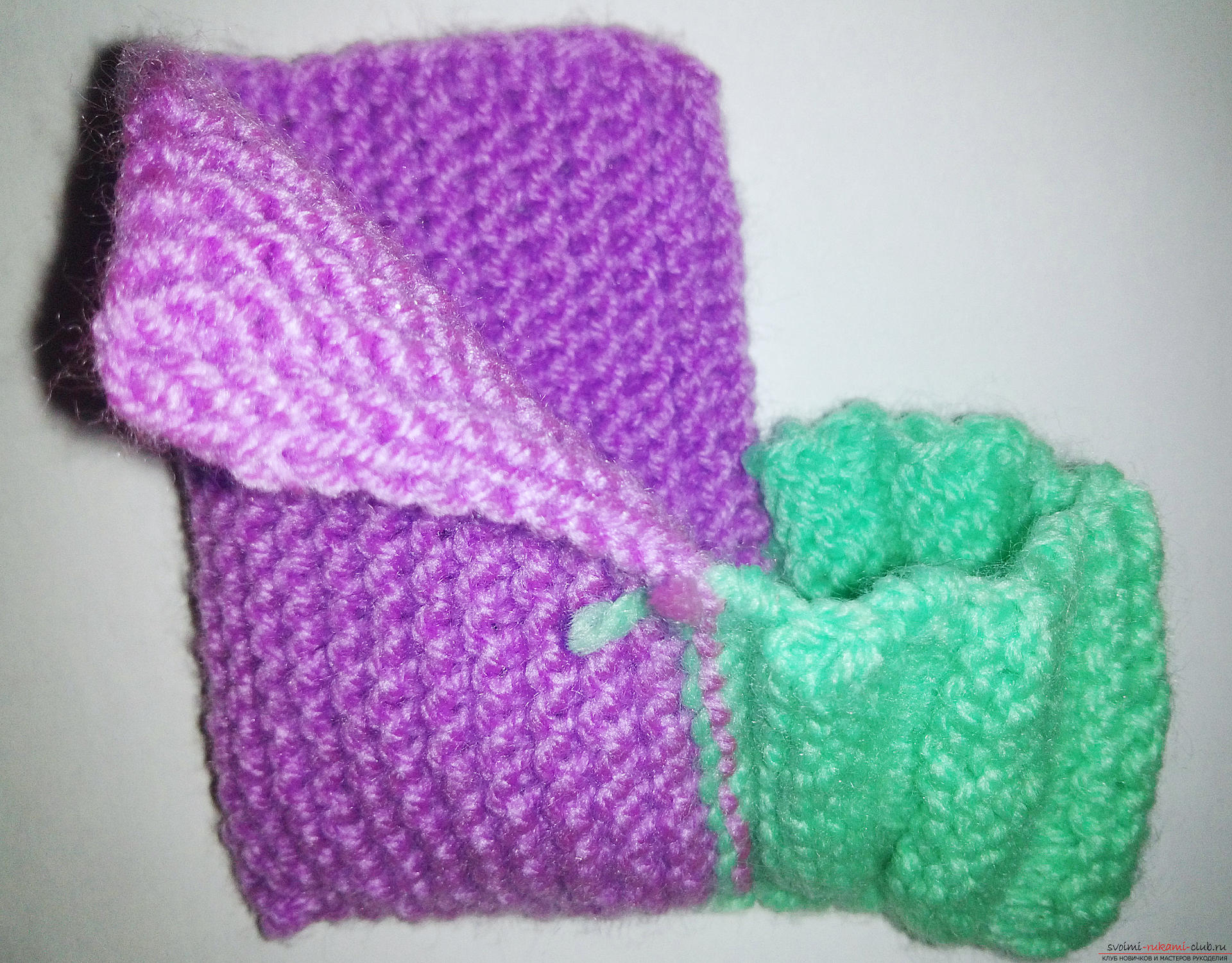 This master class with step-by-step photos and descriptions will teach you how to knit booties for newborns with knitting needles. Picture №10