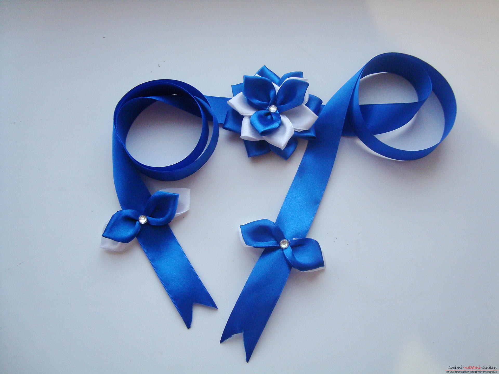 A lesson on creating bows for an extract from a maternity home of a boy with a description and a photo. Photo №1