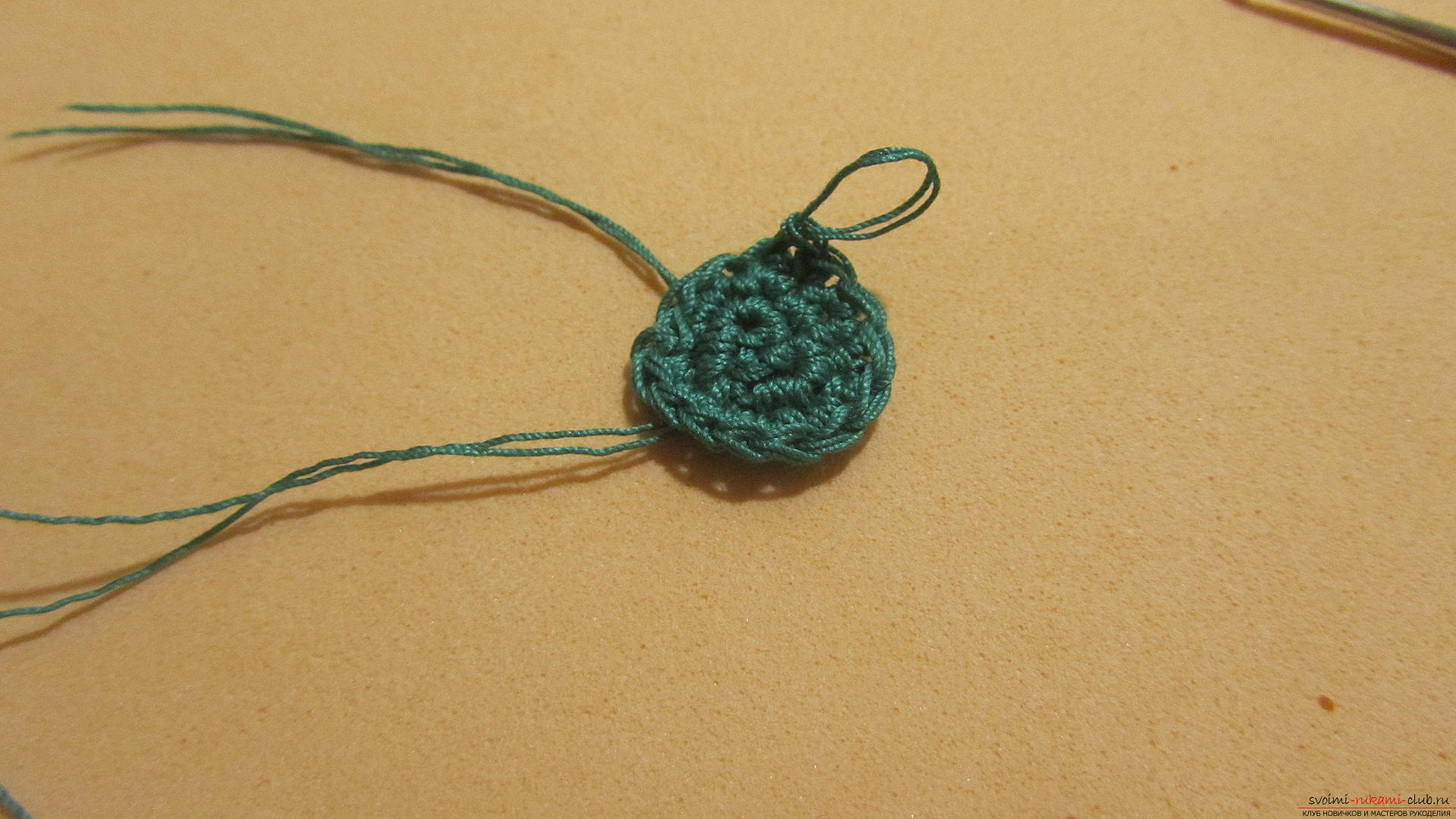 This master class contains a description of a crocheted Christmas tree - the original crafts for the New Year with their own hands. Photo Number 11