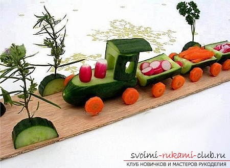 Autumn crafts from vegetables and fruits. Photo number 12