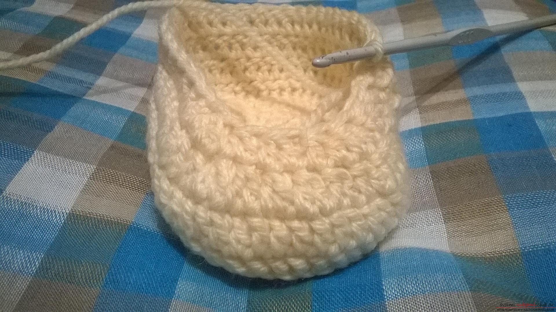 This master class with a description, diagram and video will teach how to knit booties crocheted .. Photo # 16