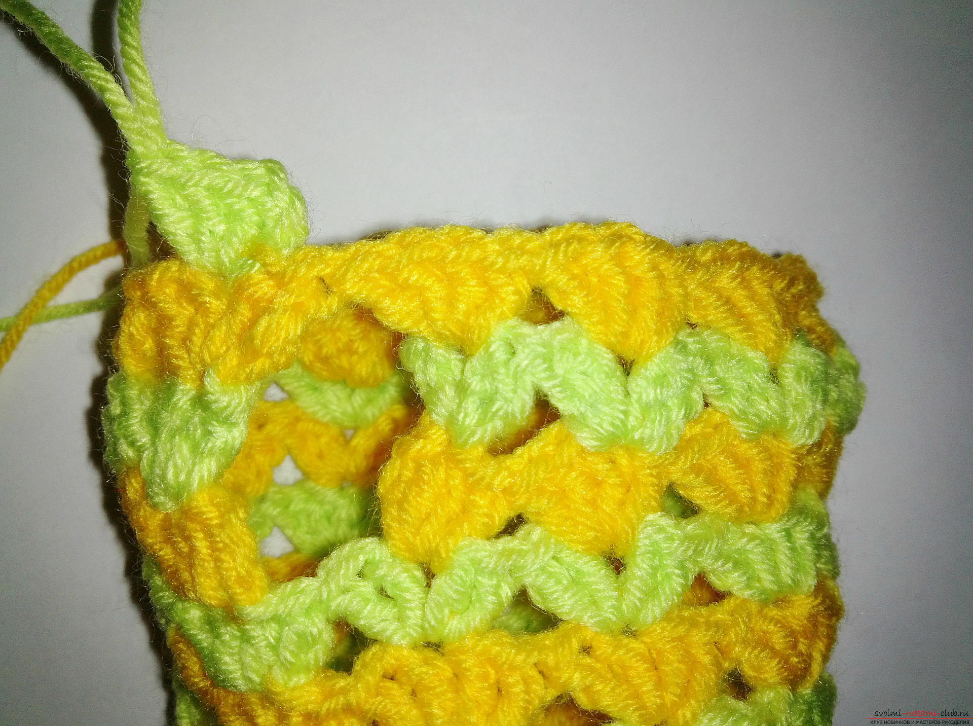 A master class with a photo and a description of the process will teach how to tie fishnet mitts crochet. Picture №10