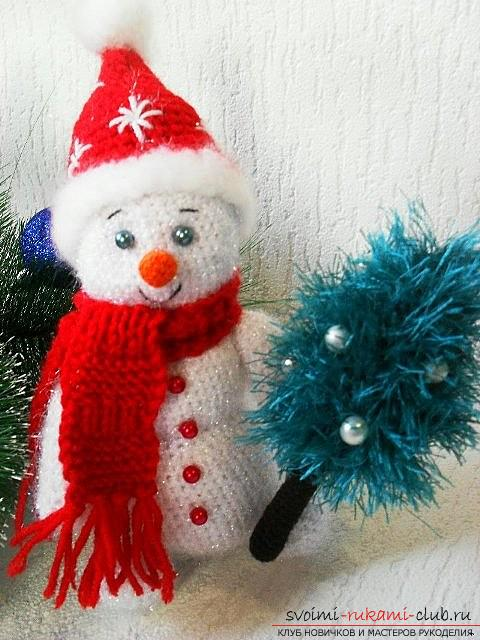 Bright snowman with amigurumi crochet with description and photo. Photo №13