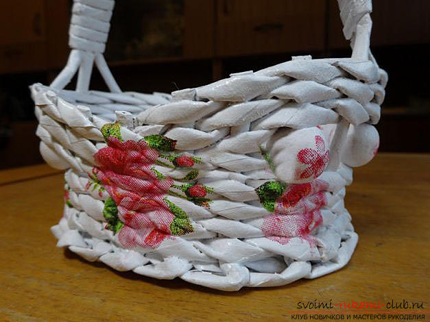 How to weave an original basket of newspaper tubes with our own hands: a master class with a photo. Picture №3