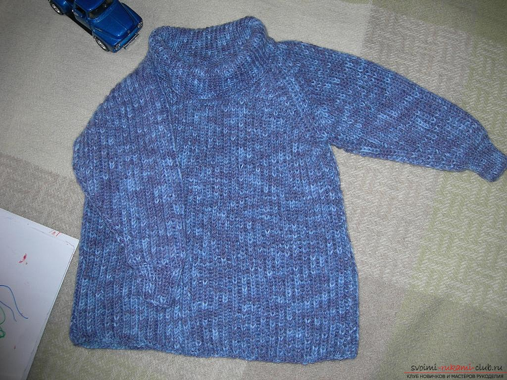 a raglan sweater for a child. Photo №7
