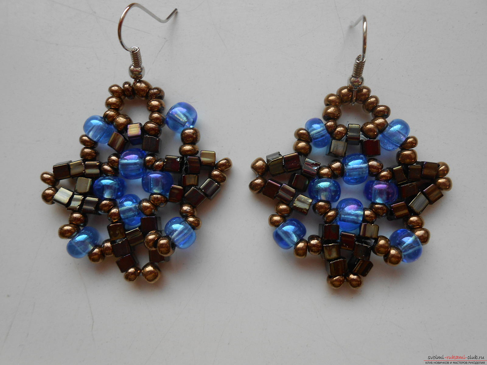 This master class with a scheme will teach you how to make earrings from beads with your own hands. Photo number 12