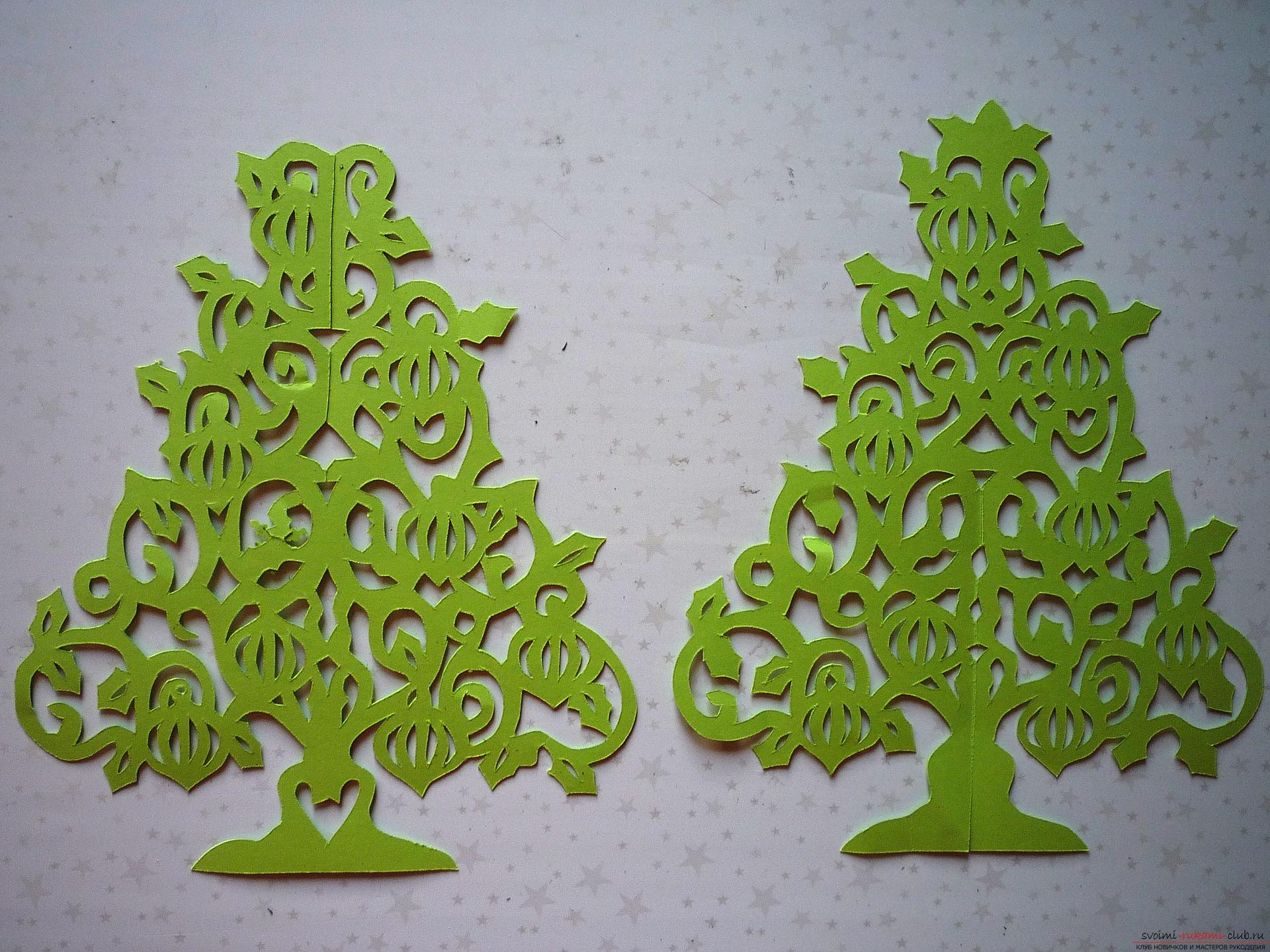 The master class will teach you how to make your own hands a New Year's 3D Christmas tree made of paper. Photo №4