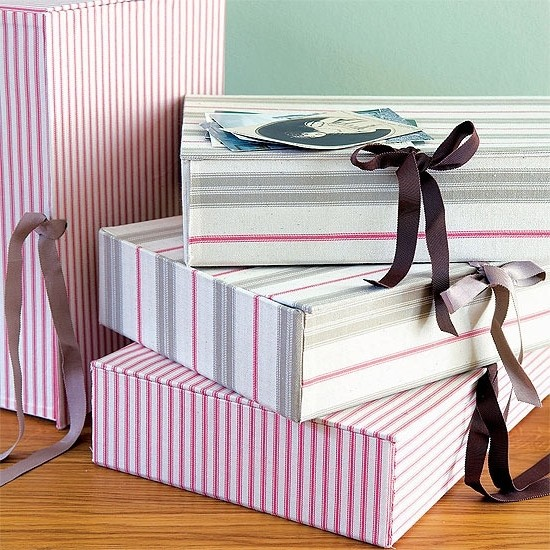 Wallpaper boxes decorated with cardboard