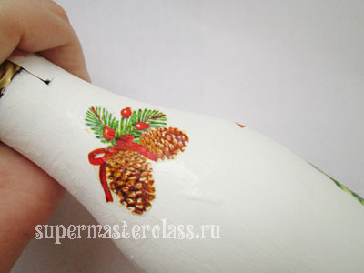 Cones: decoupage bottles with their own hands for the New Year