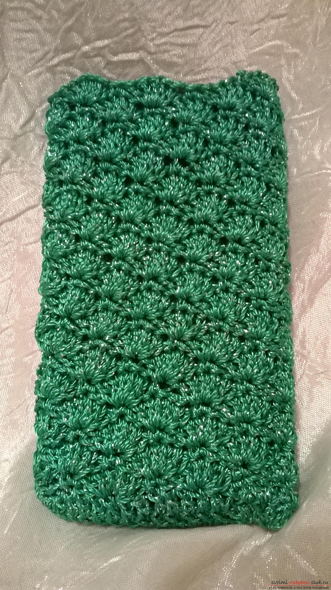 This master class knitting for beginners will teach how to crochet the case for the phone. Picture №3