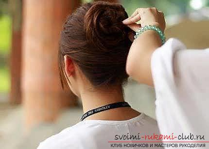 Masterclasses to create fashionable hairstyles on medium-length hair with their own hands for 5 minutes. Photo Number 22