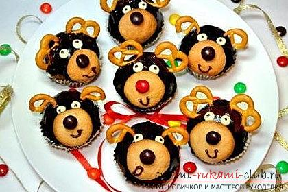 Cupcakes in the form of deer for the new year - a master class of baking and a recipe for cupcakes. Photo №1