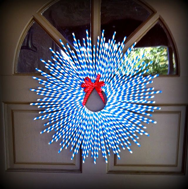 Crafts from pipes - a wreath at the door