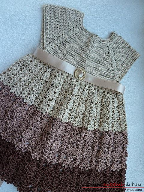 How to crochet a set for girls from a cap, dresses and beads in different shades of coffee and beige. Photo №1
