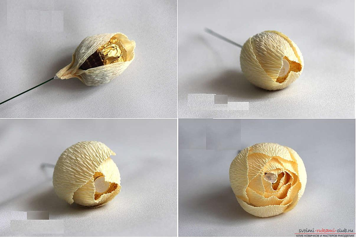 How to make a candy bouquet of roses, step-by-step photos and instructions for creating roses from corrugated paper with candy hearts. Photo number 15