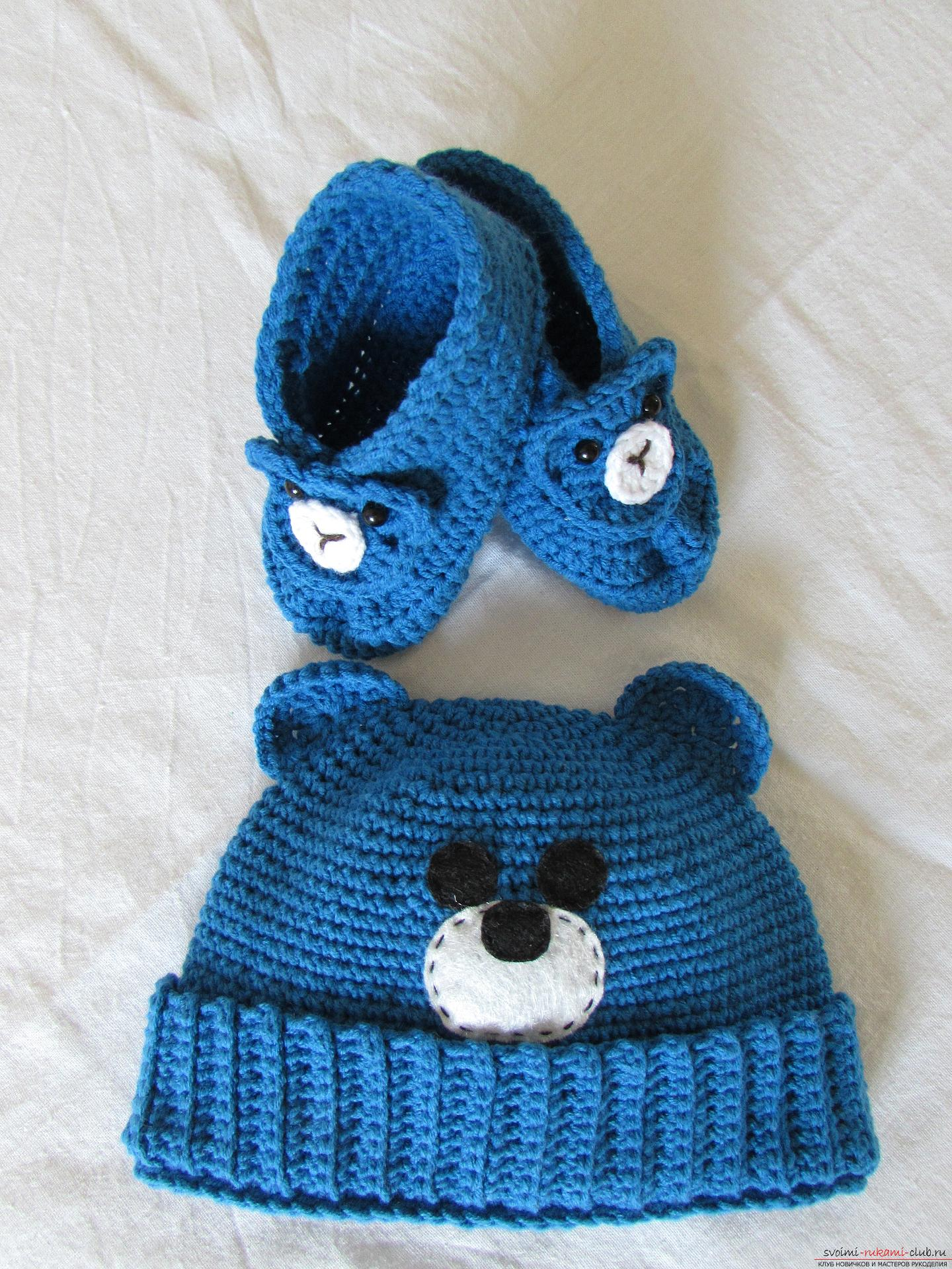 Booties and a cap for the boy. Picture №3