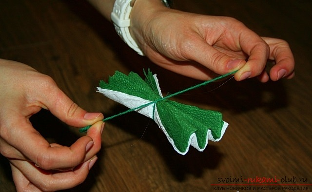 The process of creating an original Christmas tree with your own hands in pictures. Photo №6