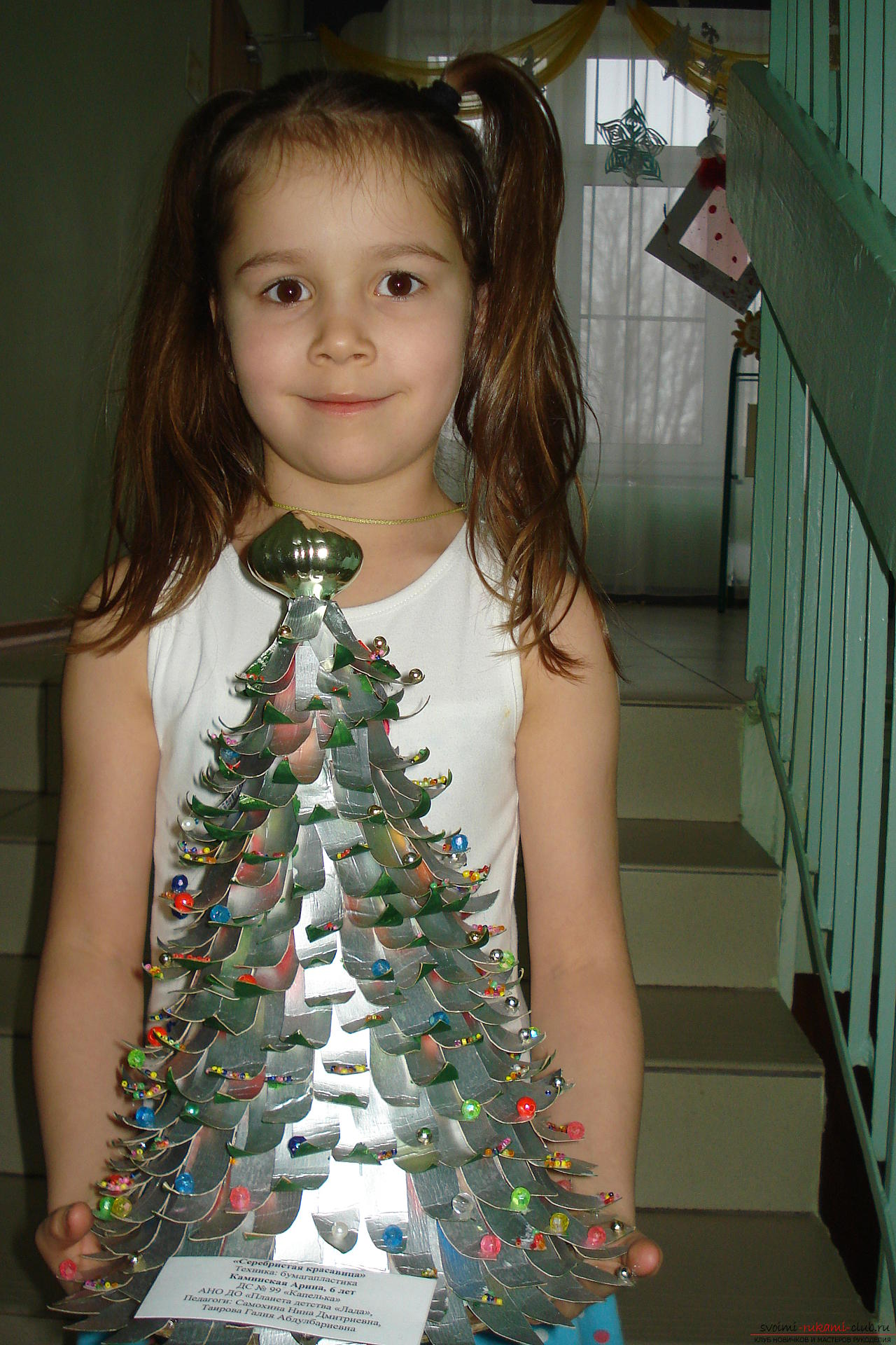 interesting New Year's crafts we have turned out of junk material. Different Christmas trees decorate not only the house, but our group in the kindergarten. Photo №6