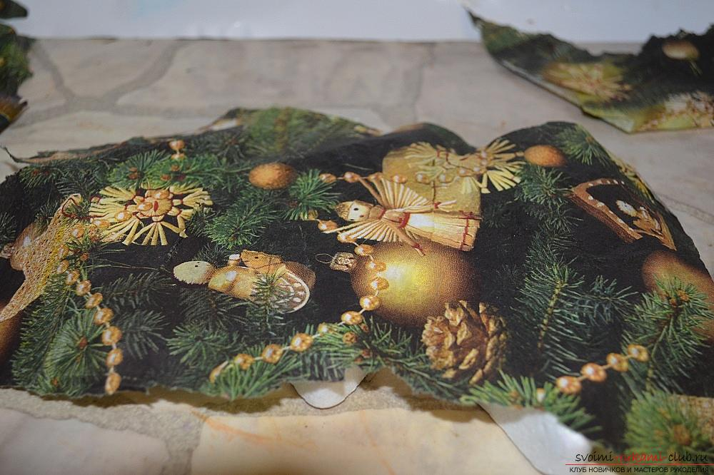 The master class will teach you how to make a Christmas decoration - a Christmas tree - in the technique of decoupage. Photo # 2