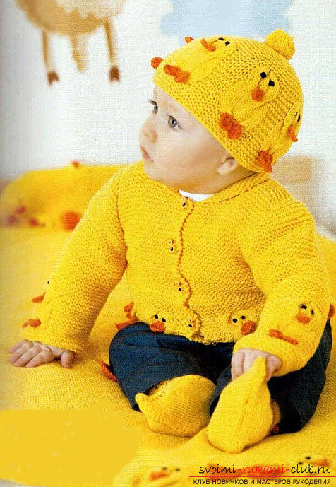 An interesting model of a set with chicks for a newborn with knitting needles. Photo №6