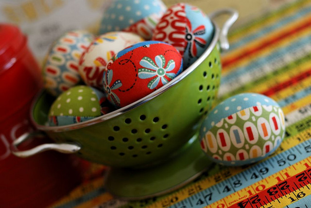 Easter eggs from the fabric with their own hands