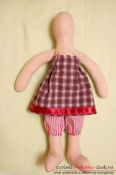 The doll Tilda own hands, the popular hare Tilda, the New Year's hare Tilda, how to choose the right fabric for sewing a hare Tilda, patterns of a hare, patterns of clothes for a hare Tilda. Photo # 25