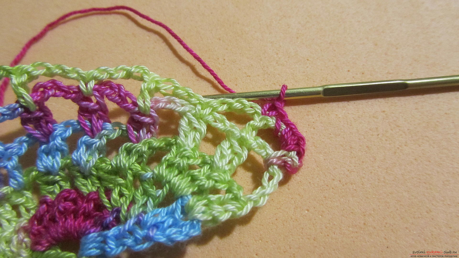 This master class with a pattern and description of crochet will teach you how to knit lace with hearts .. Photo # 37