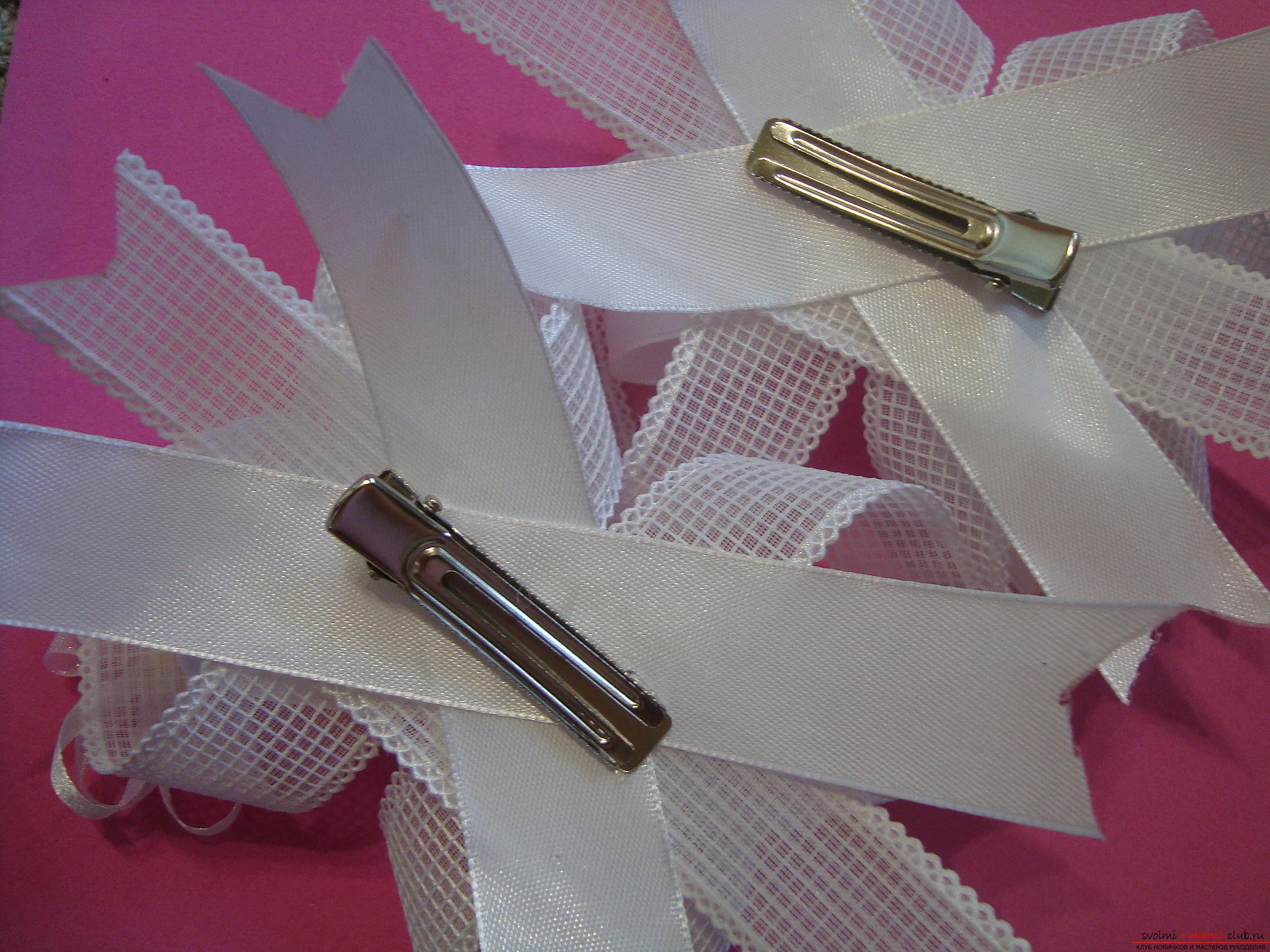 Step-by-step guide to making bows by September 1 for schoolgirls describing the steps and photos. Photo number 20