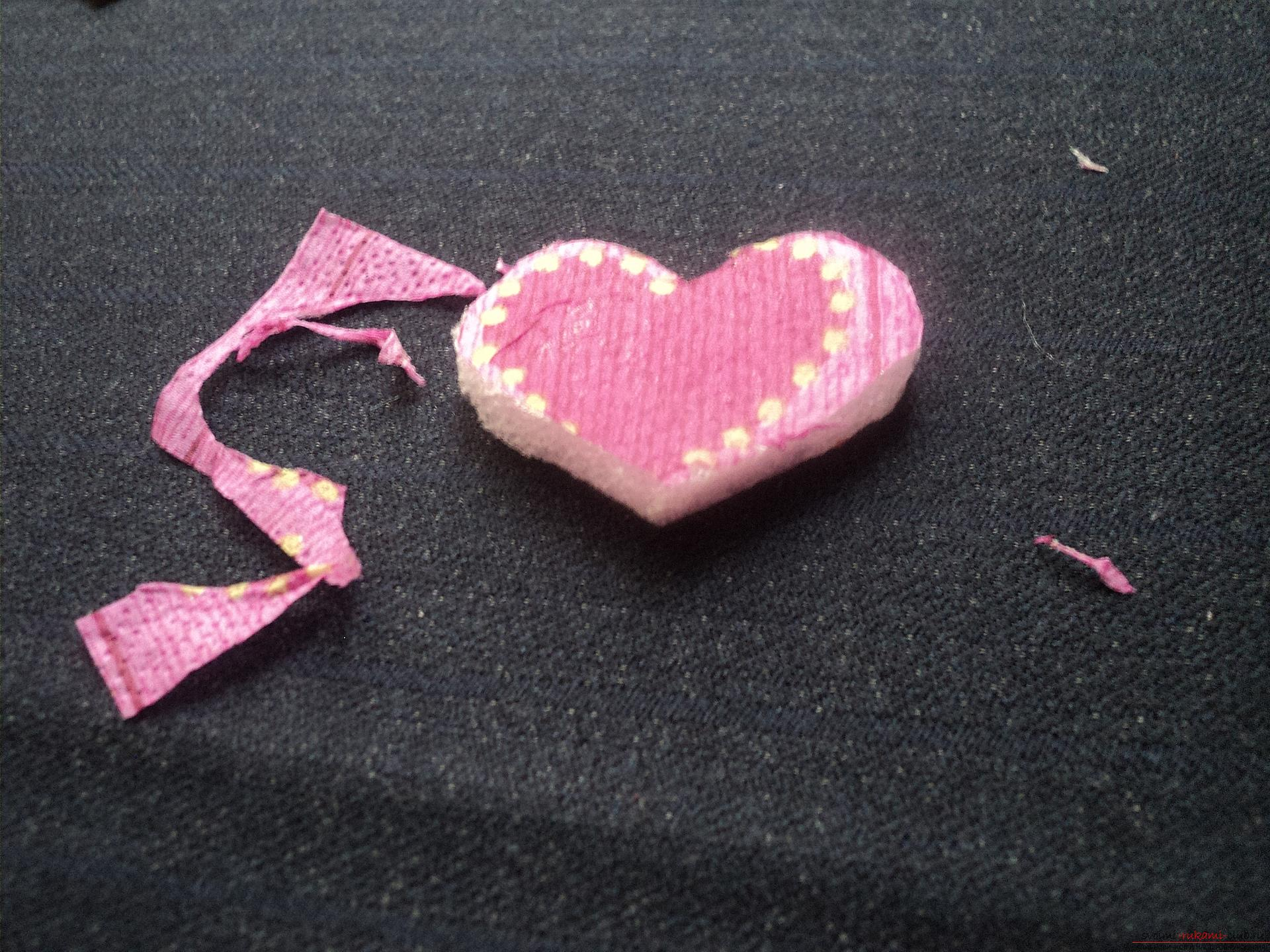 This master class will teach you how to make postcards with Valentine's Day in the technique of decoupage with your own hands .. Photo # 6