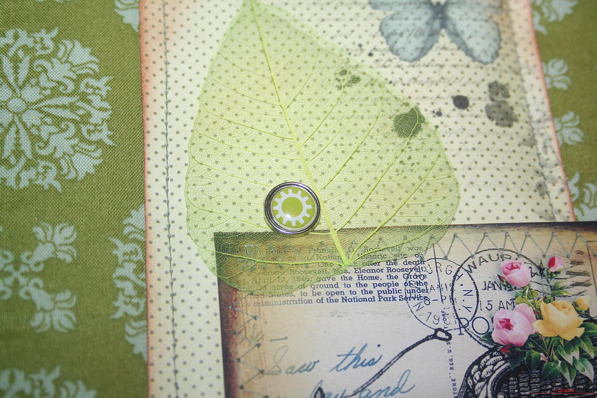 This master class will teach you how to make an original gift for the New Year - scrapbooking notebook. Photo №29