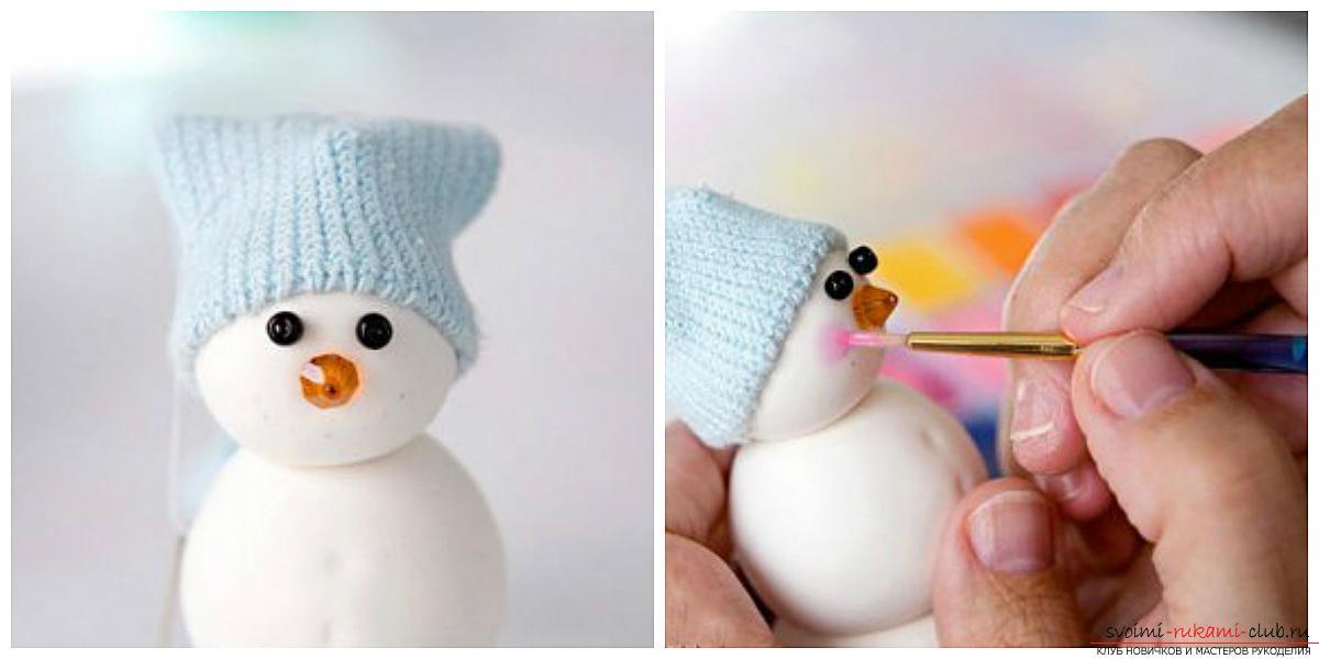 Коледа снежен човек с ръцете си, как да се направи снежен човек, коледни занаяти с ръцете си, снежен човек, изработен от полимер глина, плат снежен човек, снежен човек от електрически крушки .. Фото №30